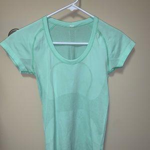 Lulu lemon green tee shirt